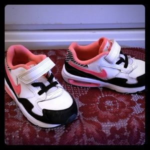 Size 8c Nike Air Max Sneakers